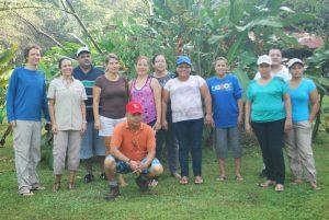 Foto de los participantes en  el taller de educación.